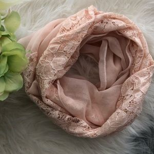 Accessories - Blush laced scarf